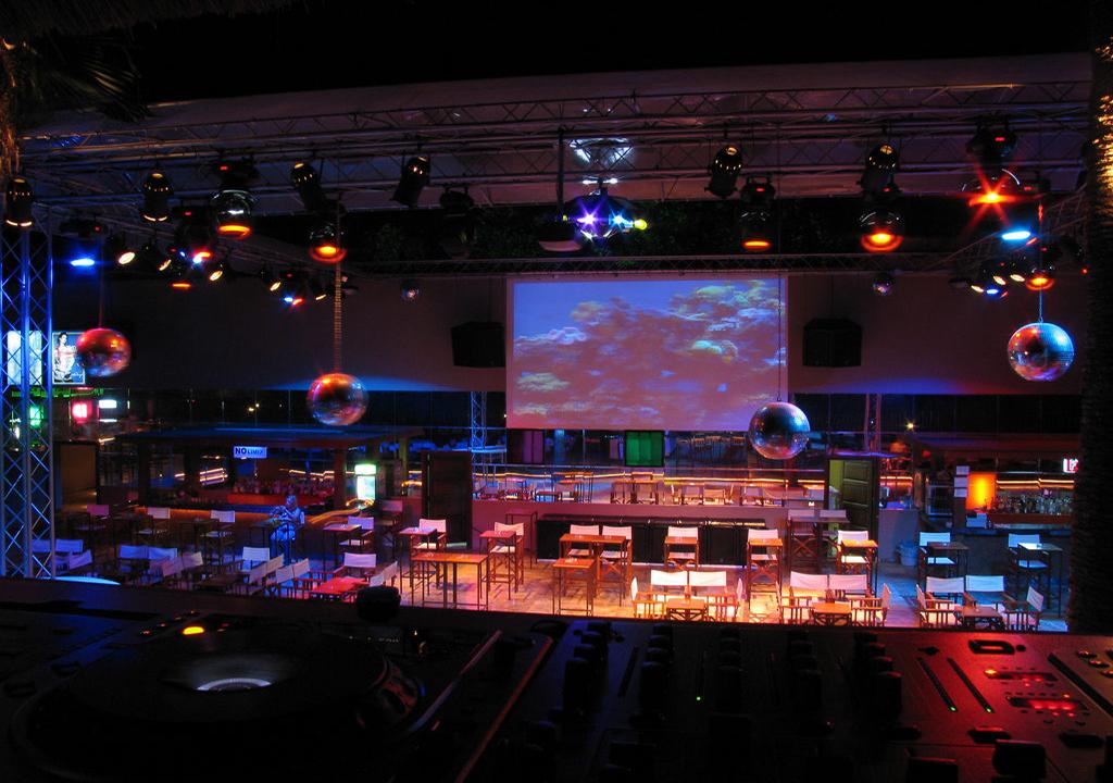 проекционный экран Hercules 2